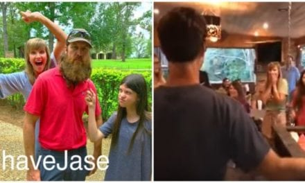 Video: Unrecognizable! Duck Dynasty Star Jase Robertson Shaves Off Iconic Beard for His Daughter's Charity