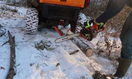 Video: This Gadget Helps Make Cutting Firewood Easier