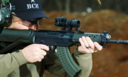 Larry Vickers Checks Out the Swiss Arms SG 553 RP 4K