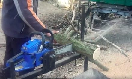 Here's a Hands-Free Chainsaw Bench That Makes Things Easy