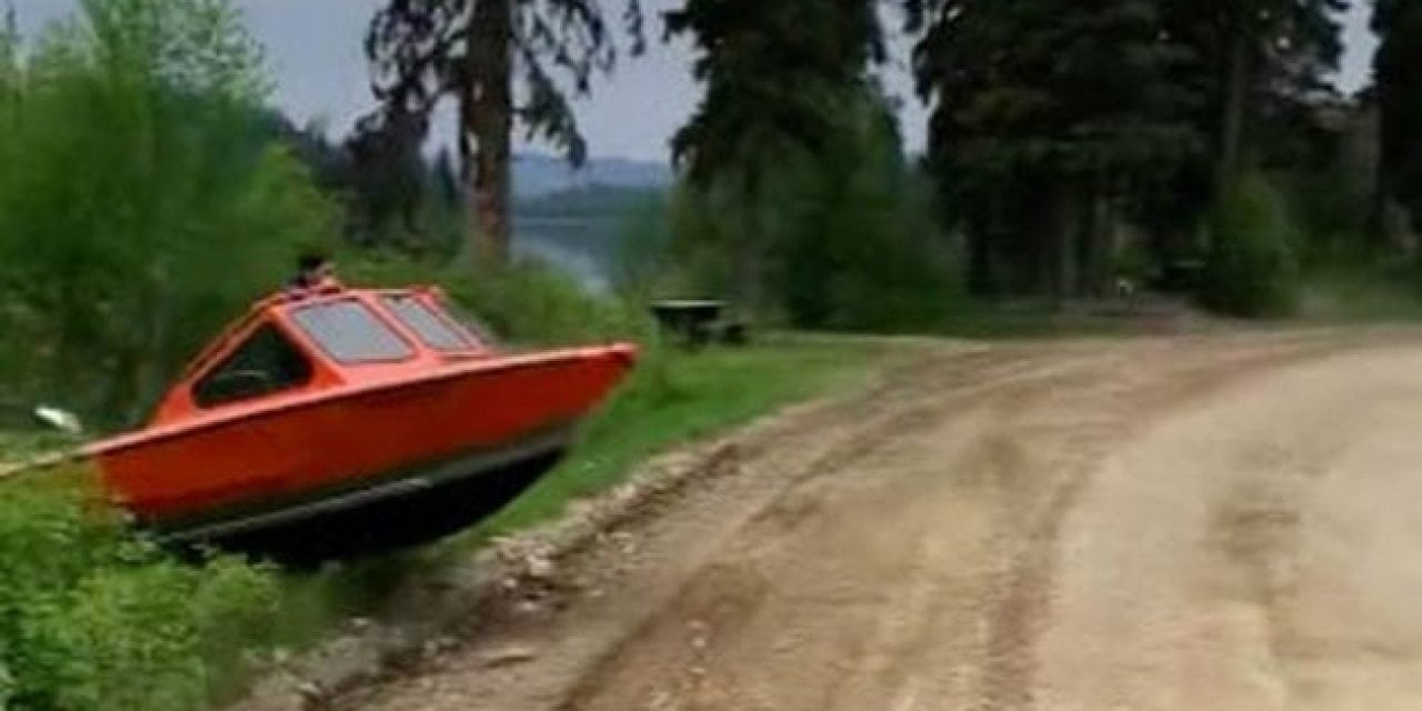 Video: How a Canadian Fisherman Crosses the Road