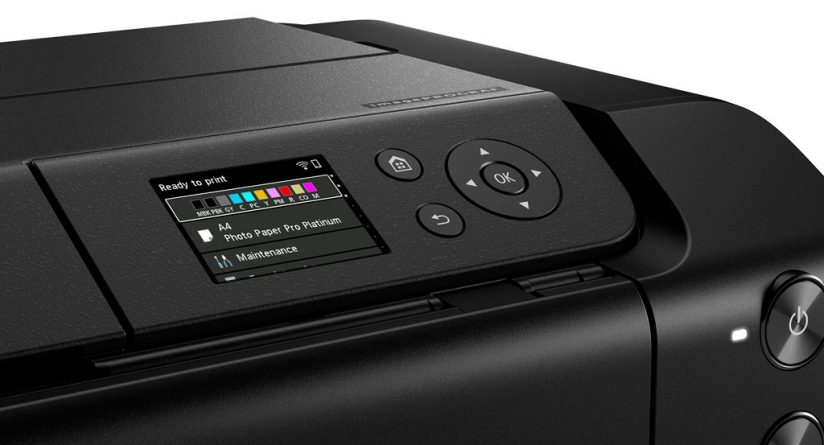 LCD of the Canon imagePROGRAF PRO-300
