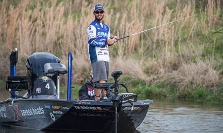 Young Rookie Angler Using Xpress X-21 In Bassmaster Elite Series
