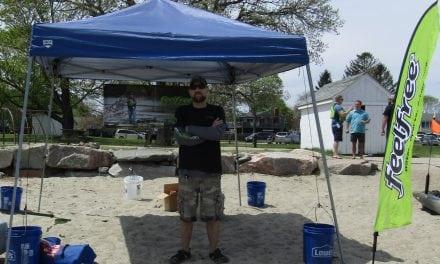 Ryan Dubay & the Yak Patrol Kayak Clash